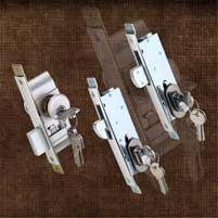 ALUMINIUM FRAME LOCKS